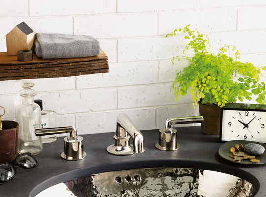 Chown's Bellevue and Portland showcases are focused on working with you and your professional team to find, supply and support your best plumbing fixtures, architectural hardware and designer lighting.