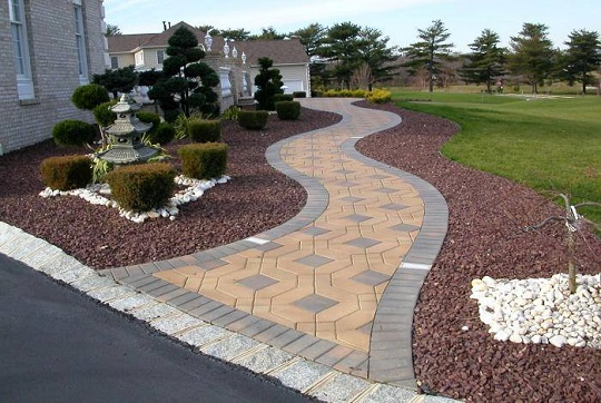 How do you guys like this walkway? Want something like that?
