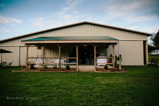 Barn At Rush Creek is located on a private 200 acre farm.  We can hold up to 200 of your friends and family and have DIY or complete wedding packages available.