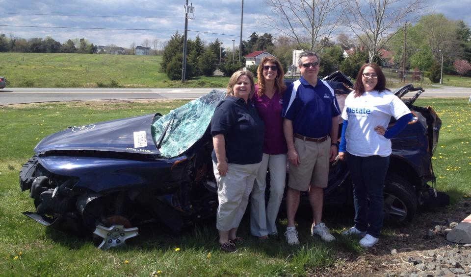 Chantilly, VA and Manassas, VA Allstate agents provide awareness for distracted driving