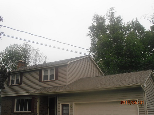 We replaced this residential roof in Boardman, OH with Owens Corning TruDef Duration shingles in the color of Driftwood.