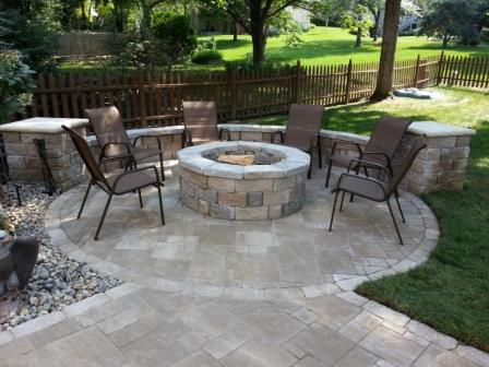 Professional Patio, Retaining Wall, Outdoor Kitchen Design and Installation